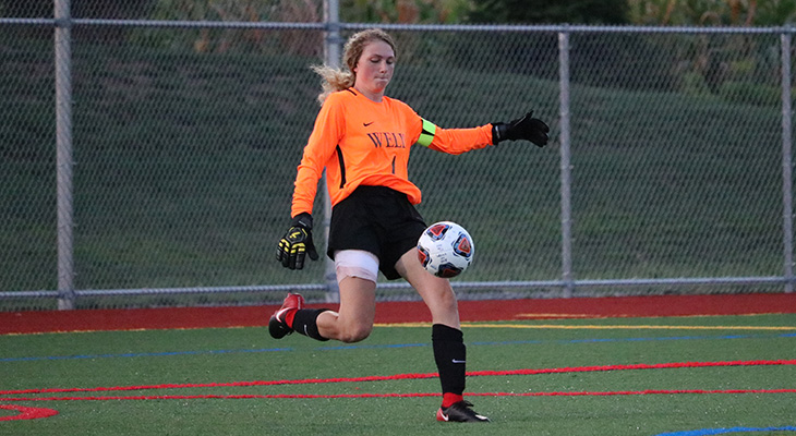 Hurley Makes 14 Saves For Women's Soccer