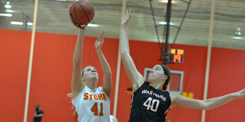 Women's basketball beats Wartburg, moves within a game of first