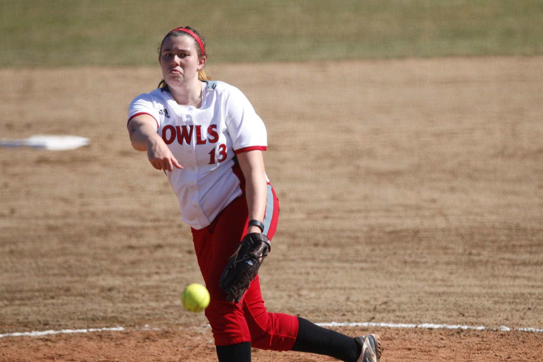 Softball Picks Up Opening Day Split With 7-6 Win Over Framingham State
