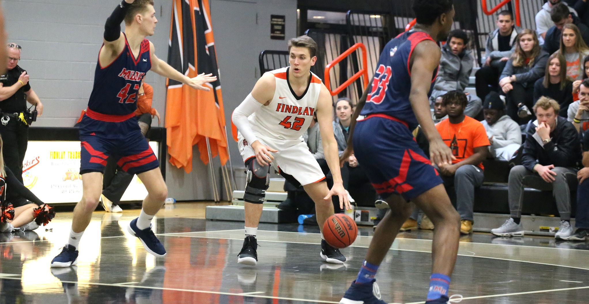 #17 Oilers Hold Off Pioneers | Win 81-76