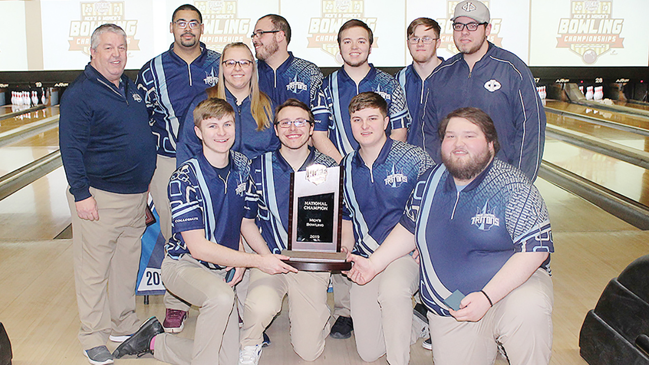 Triton men win national bowling championship