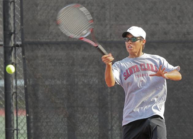 Men's Tennis Falls to Arkansas