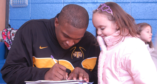 Golden Eagles give back; Tech men's basketball helps out at Sycamore