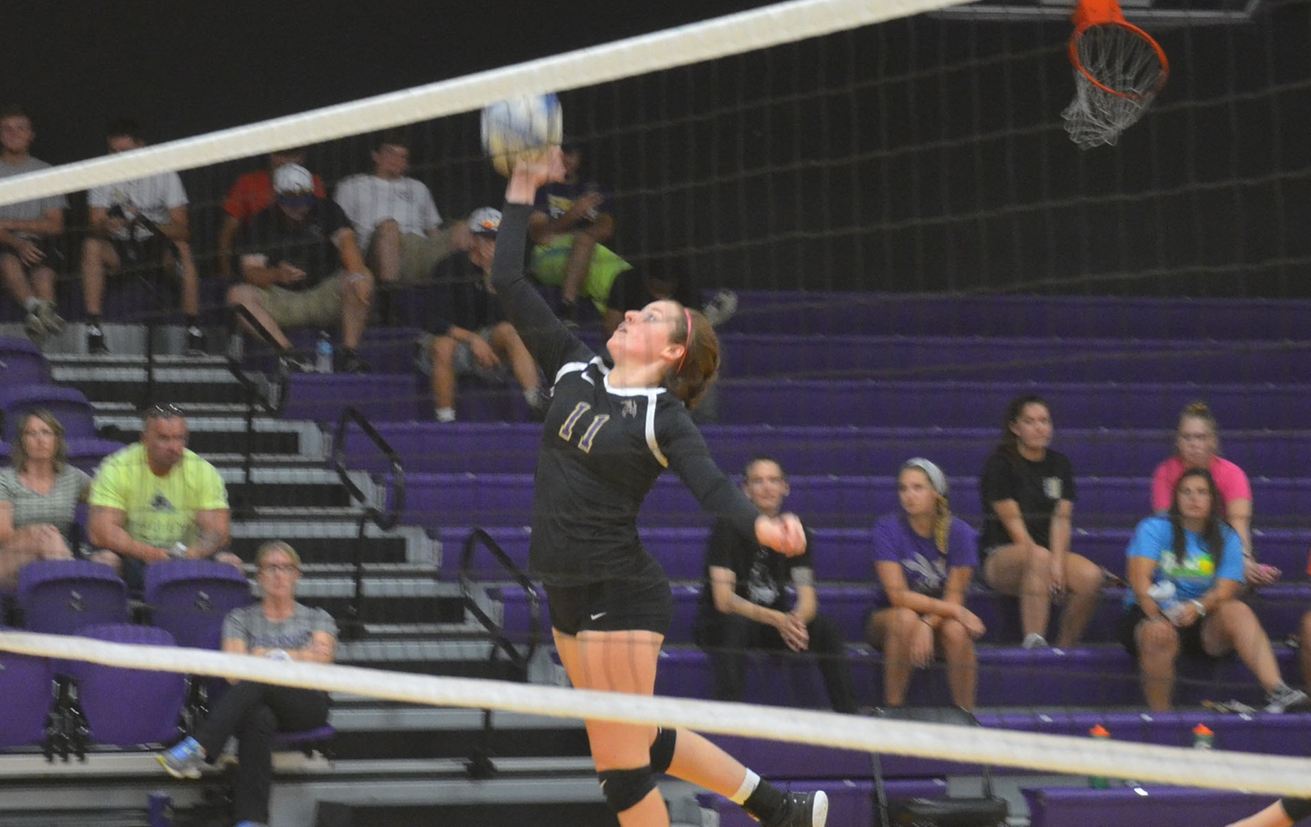 DC Knocks Off Earlham in Five-Set Thriller