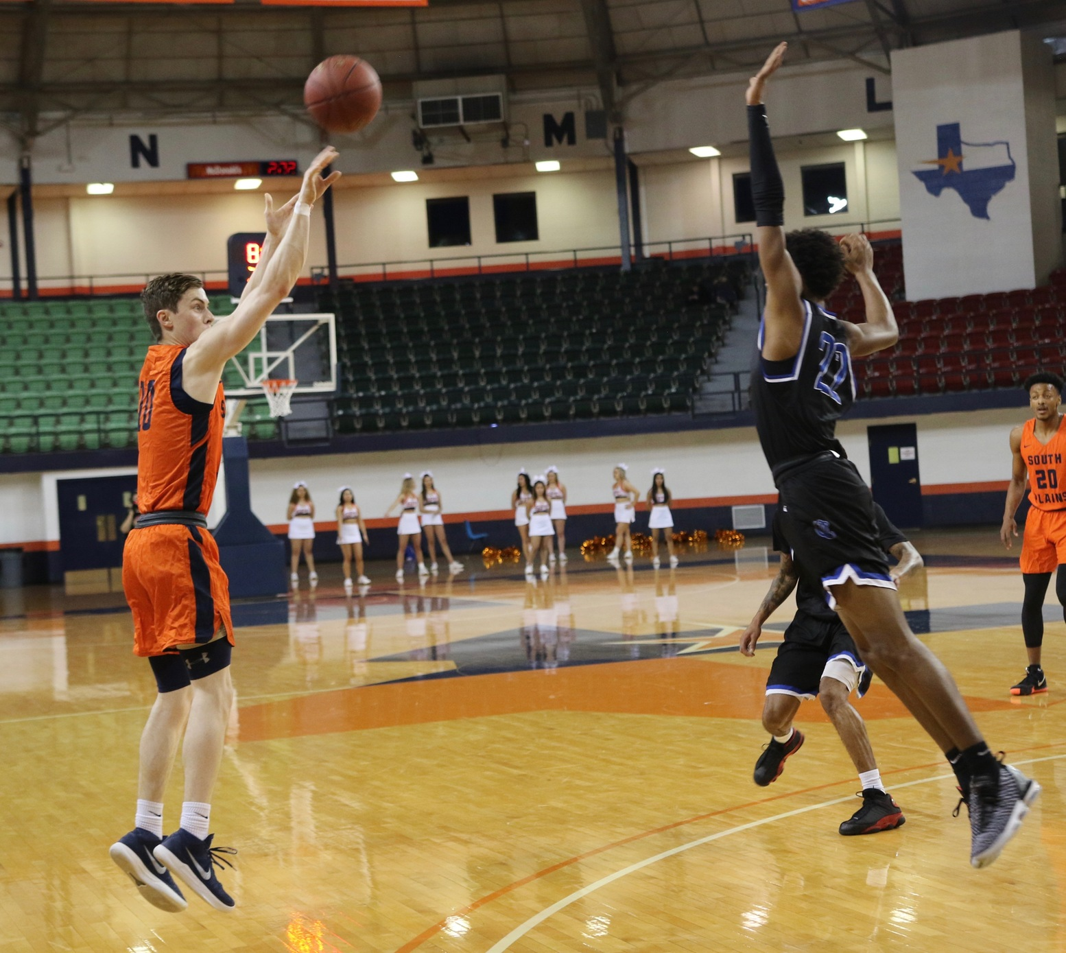 No. 1 South Plains falls to No. 15 Odessa 65-64 in overtime Monday