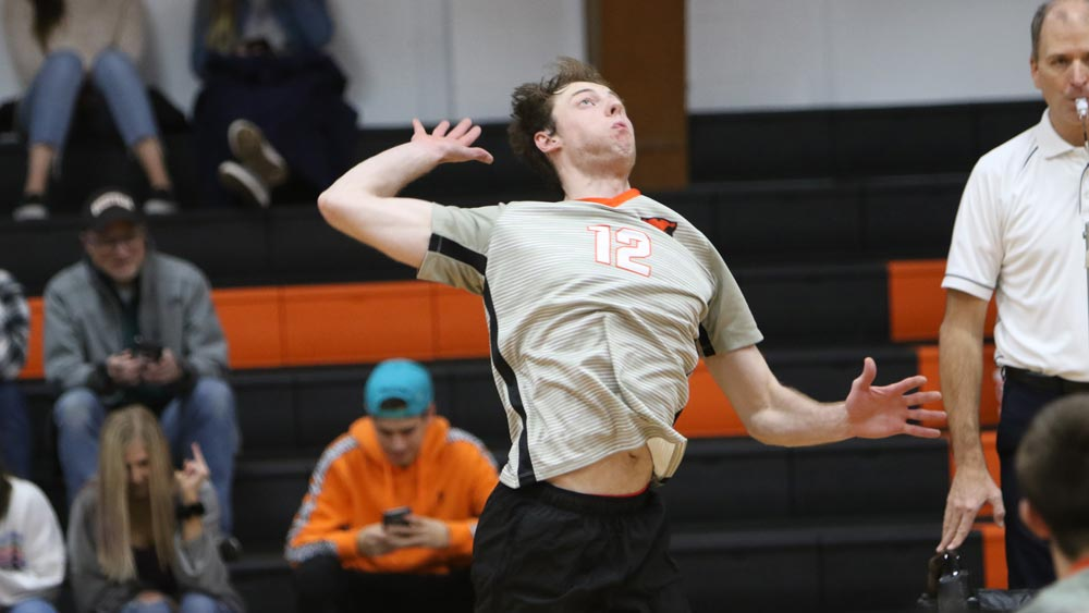 Men's volleyball topped at Loras