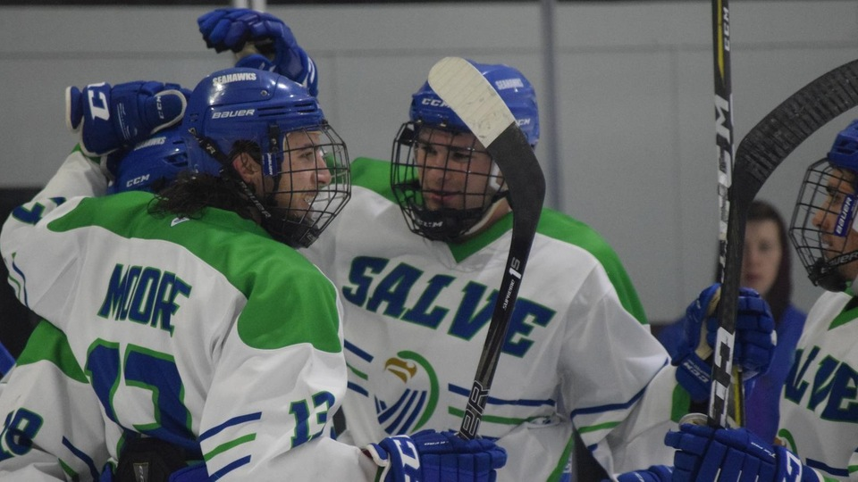 Seahawks use four-goal second period to edge Wildcats 7-2
