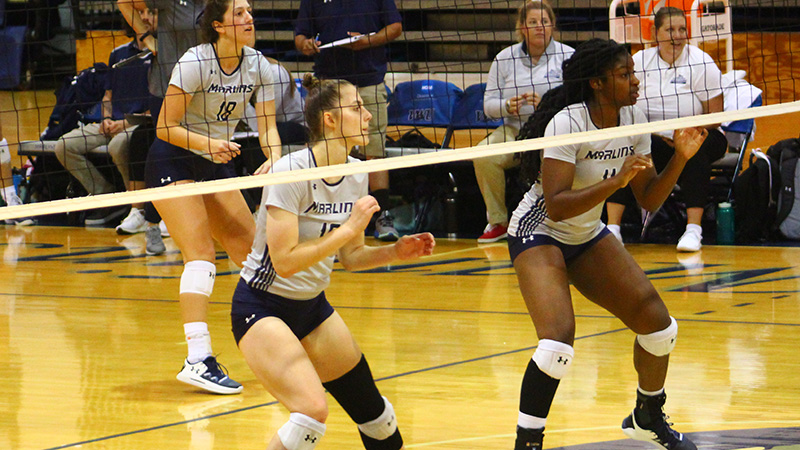 Volleyball Drops Two on Final Day of Mary Washington Quad