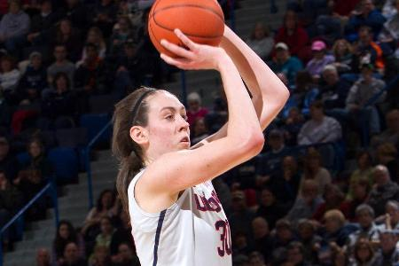 UConn's Breanna Stewart Repeats As Honda Basketball Sport Award Winner