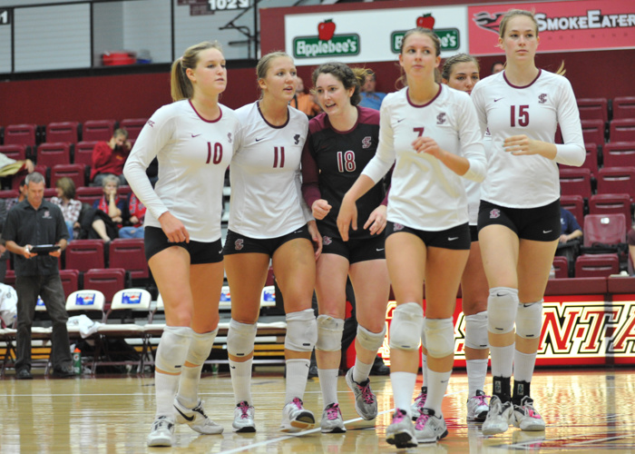 Volleyball Defeats LMU in Straight Sets; Host USF on Saturday at 1 pm