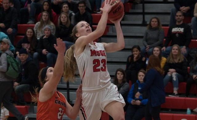 Women's Basketball Jumps Out On Alverno, Rolls to Win