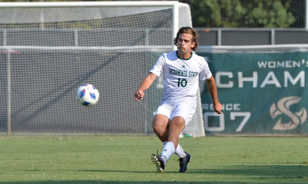 SCOTTI SCORES AGAIN, BUT MEN'S SOCCER FALLS 2-1 AT OREGON STATE