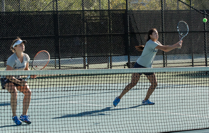 Women's Tennis Opens Play at Mercer Gridiron Classic