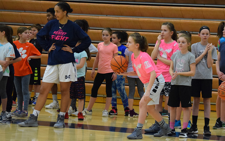 Action at the Greyhounds' 2018 Play4Kay Youth Clinic.