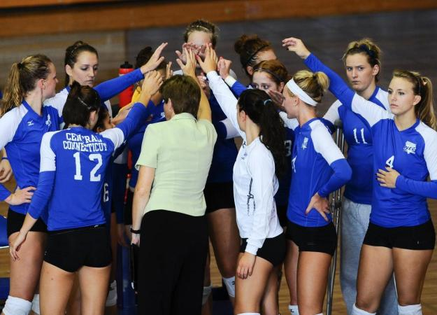 Volleyball Tops SFPA, 3-0