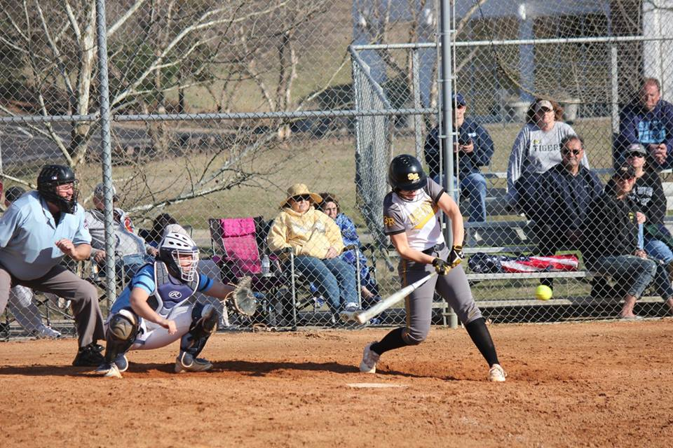 Lady Raiders open region schedule with sweep