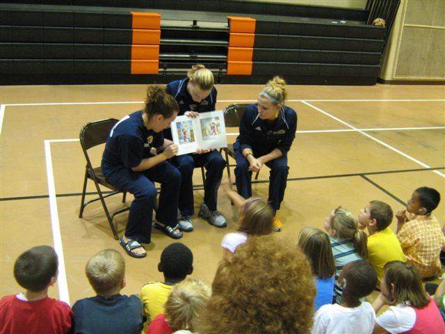 Gallaudet Volleyball Players Visit Indiana School for the Deaf To Stress the Importance of Reading