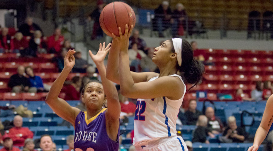 Dejanae Roebuck had 17 points to lead the No. 18 Blue Dragons to a 74-47 win over Dodge City on Saturday at the Sports Arena. (Allie Schweizer/Blue Dragon Sports Information)