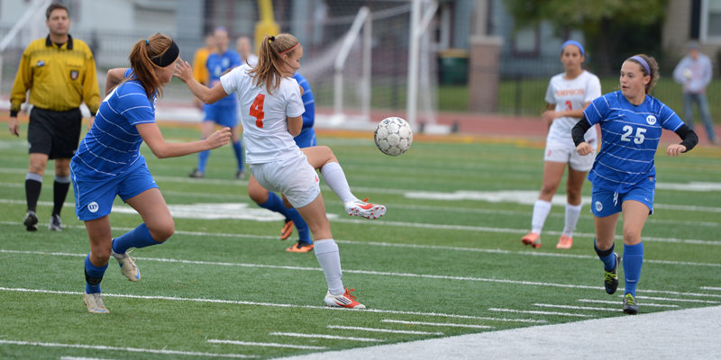 Women's soccer falls to Dubuque in regular season finale