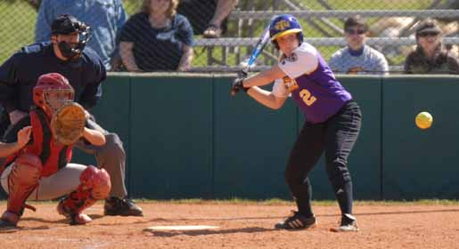 Coquerille, Thomas headline softball team awards for '09