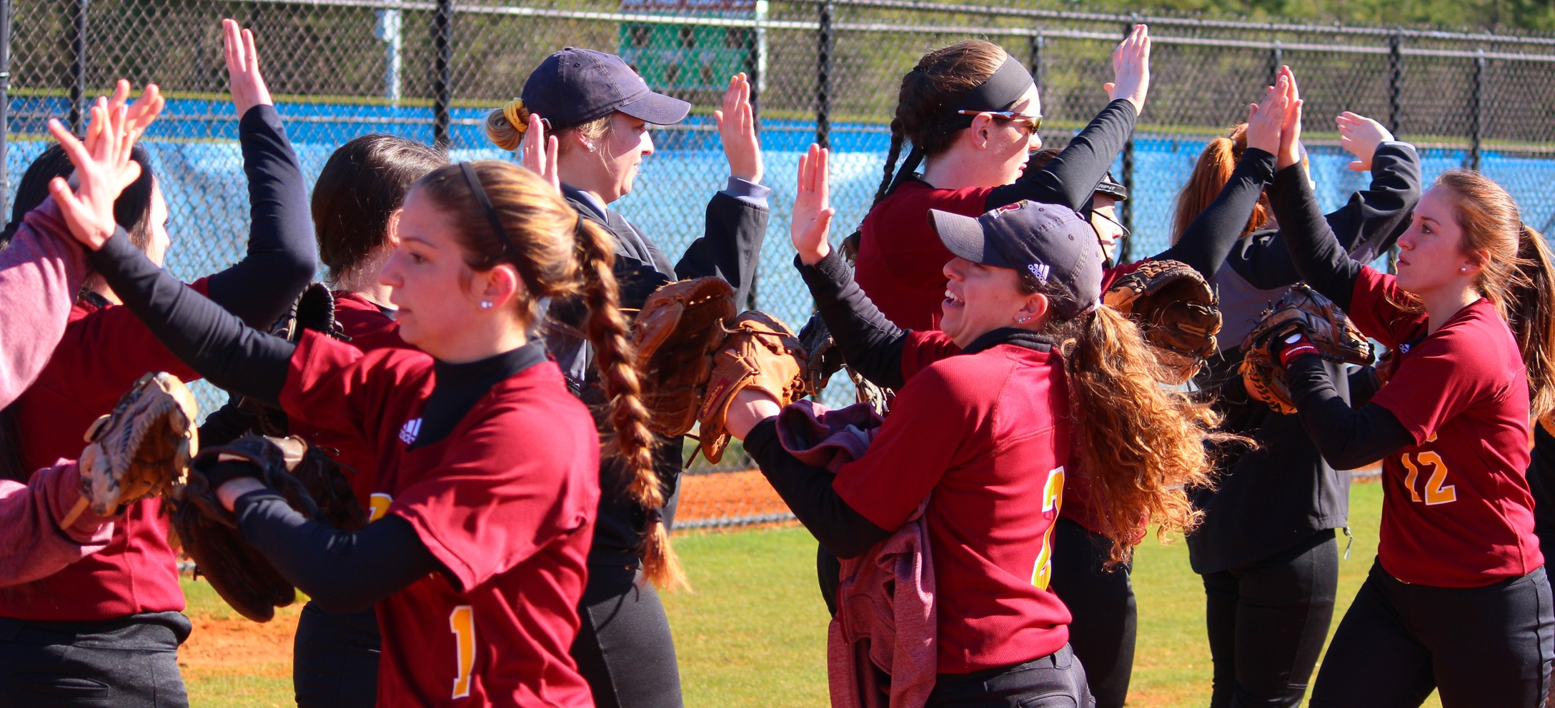Softball Splits on Final Day in Myrtle Beach