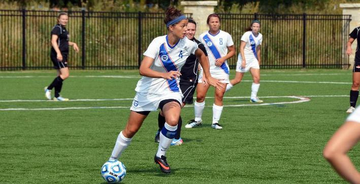 Hirssig's late goal leads Women's Soccer to win over North Park