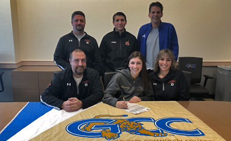 Mackenzie O'brien signs a letter of intent with GCC