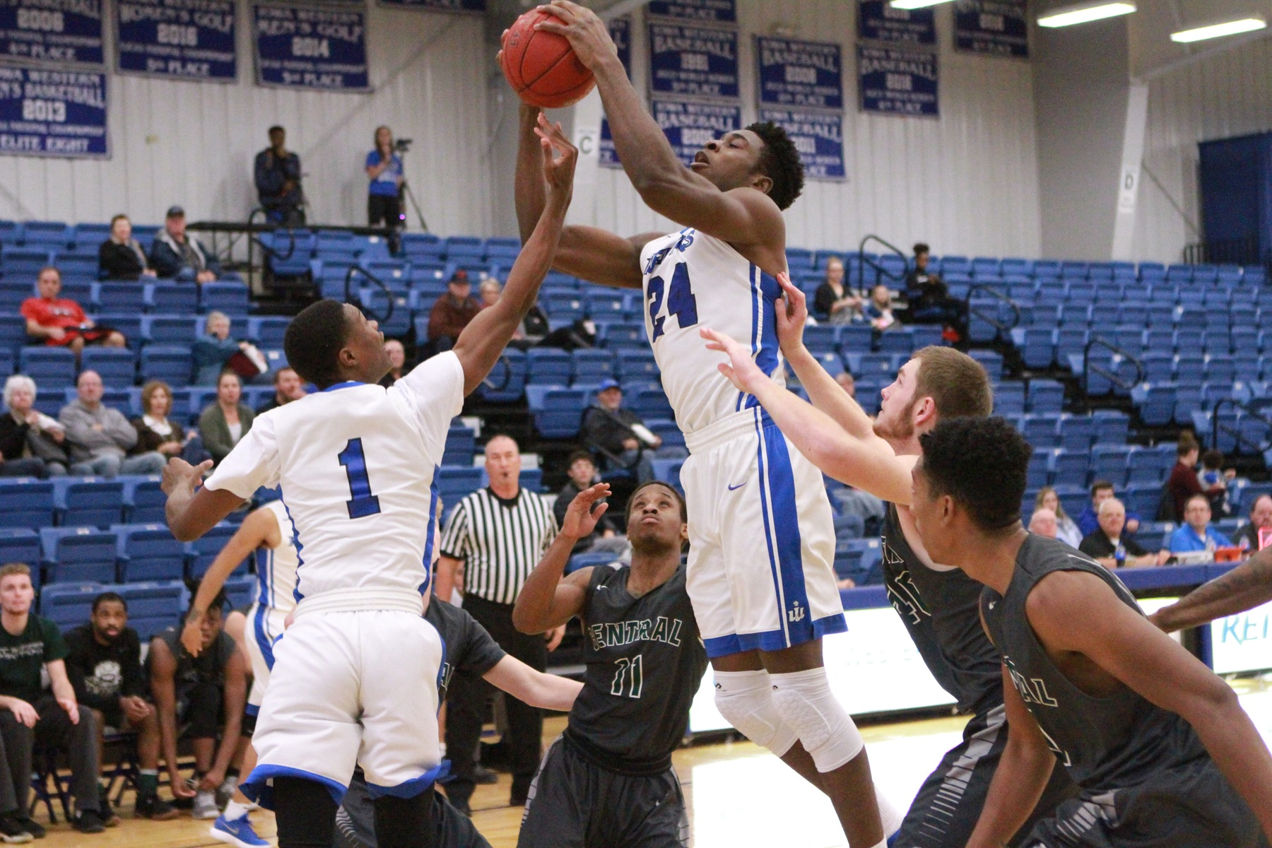 "Emmanuel Ugboh and his ""new"" Iowa Western teammates rolled to a 100-76 victory over NIACC Tuesday evening (11/6/18) at Reiver Arena."
