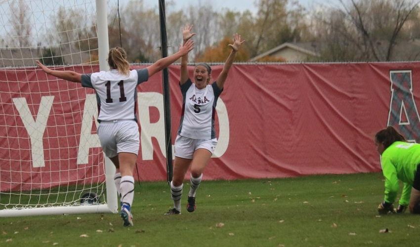 Bonam scores in double-overtime to lift women's soccer