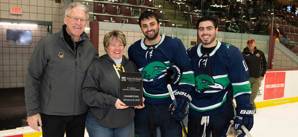 No. 13/13 Endicott, Norwich Skate To 3-3 OT Tie; Gulls Win Northfield Savings Bank Holiday Tournament Championship In Shootout