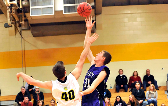 Men's Basketball Runs Win Streak to Four