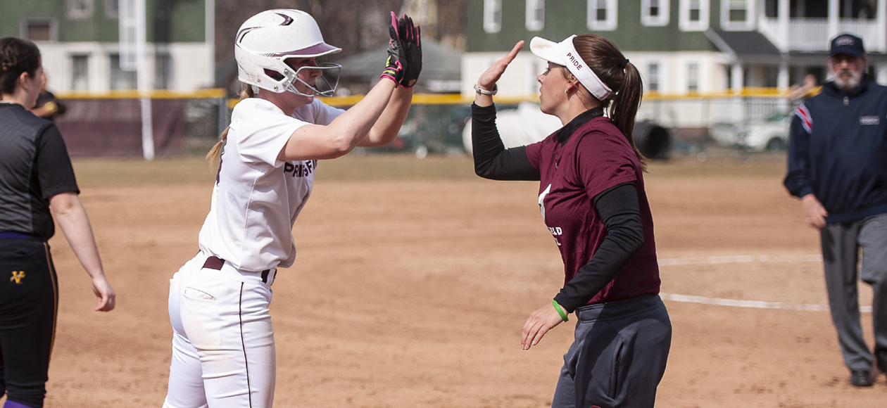 Softball Walks Off To Defeat Babson, 7-6, in Game One; Falls to Beavers, 4-1, in Game Two