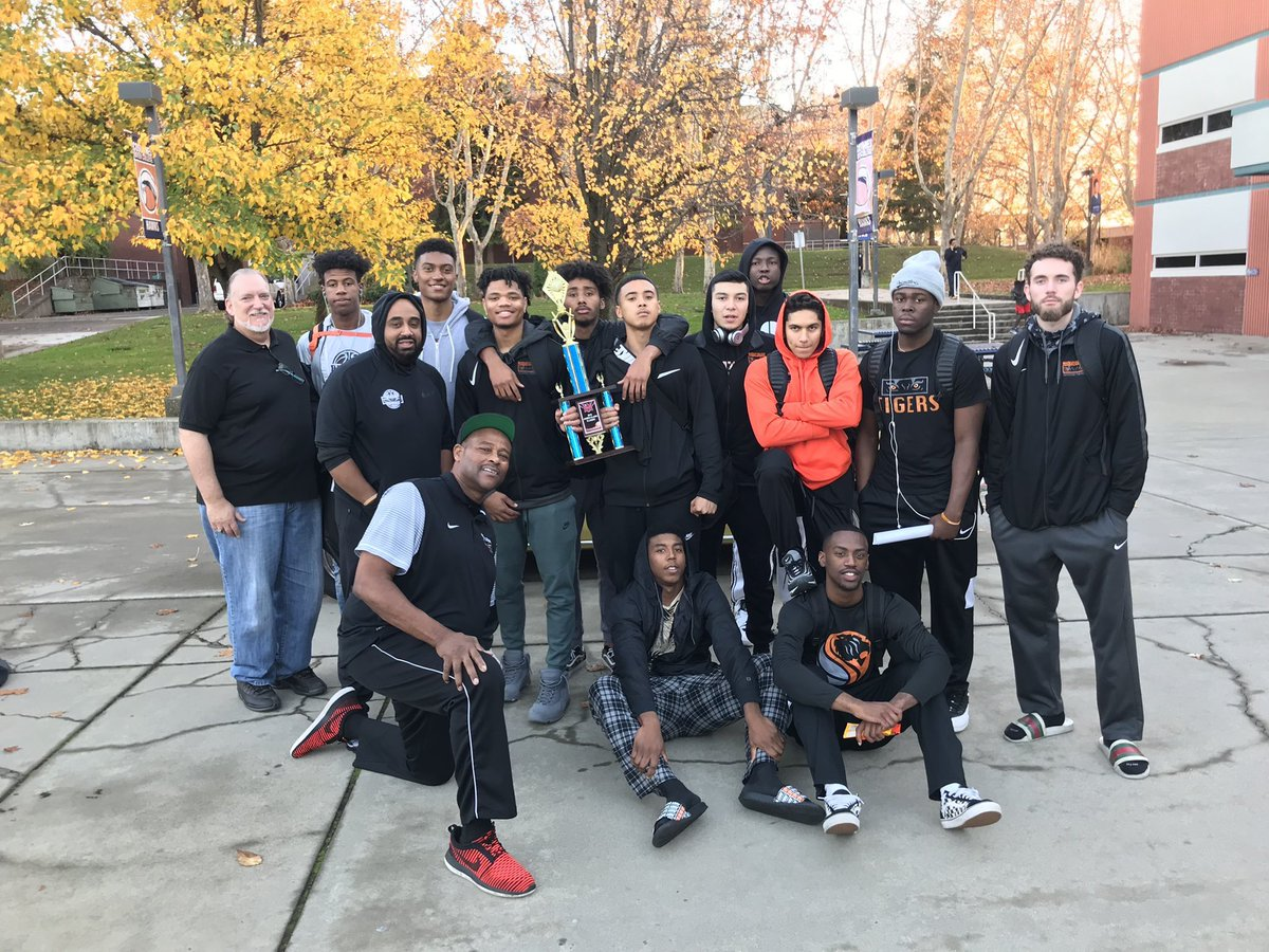 Tigers Fight Off Cosumnes River Comeback, Win Consolation Championship