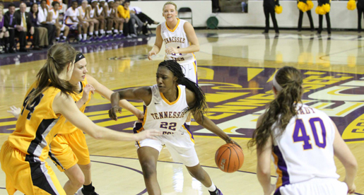 Golden Eagles head to South Point Thanksgiving Shootout in Las Vegas