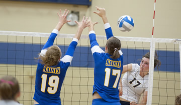 Volleyball Ends Labor Day Classic with Pair of Wins