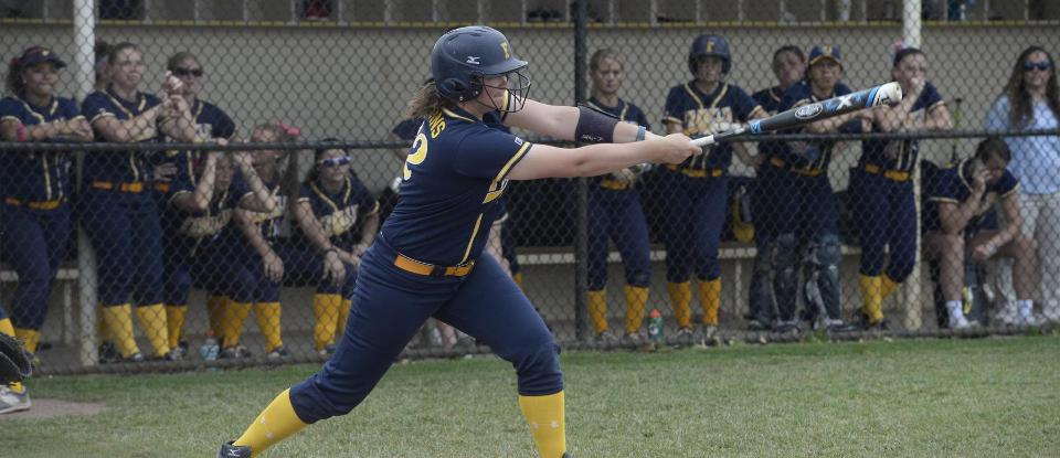 Softball Clinches HCAC Tournament Berth in Regular-Season Finale