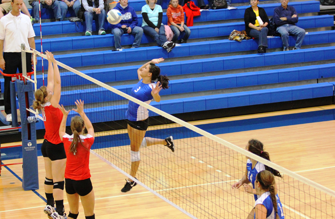 Women's Volleyball Jumps Out to 2-0 Start