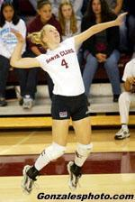 Volleyball Tops Arkansas in Five-Game Thriller
