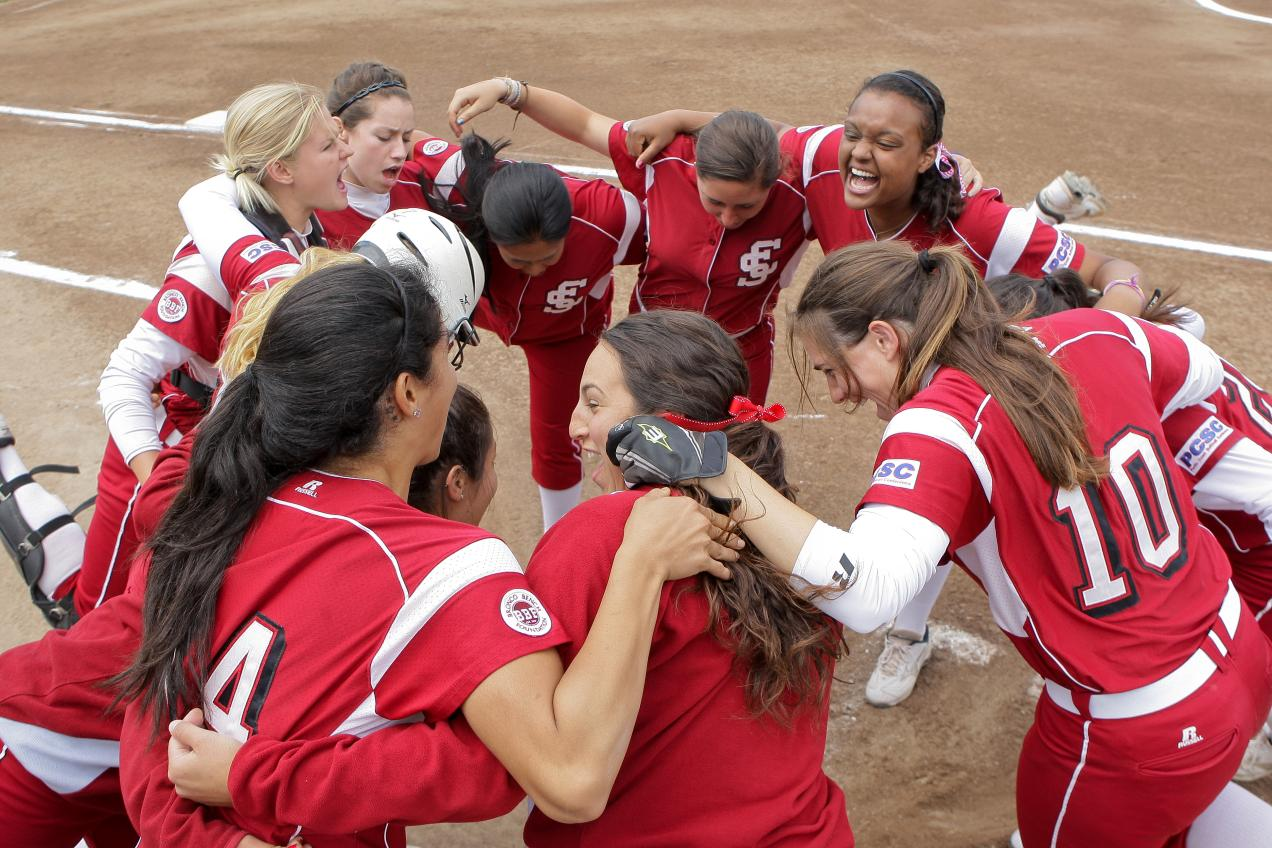 Bronco Softball Wraps Up 2011 Season This Week