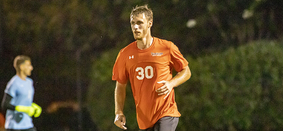 Late goal lifts Emmanuel to 2-1 win over Pioneers in season opener