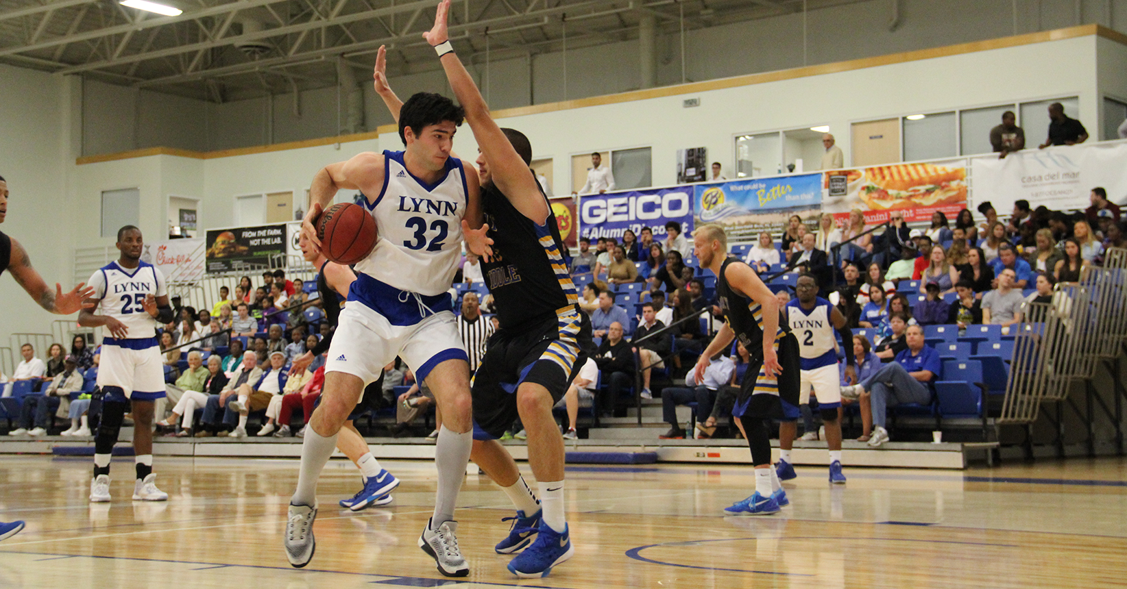 Eagles Glide Past Men's Basketball