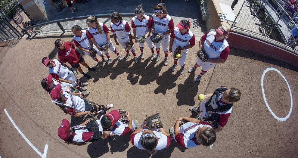 Softball Swept by San Diego in Saturday Doubleheader