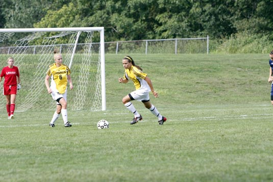 Women's Soccer falls to Dickinson in CC Semis, 2-1
