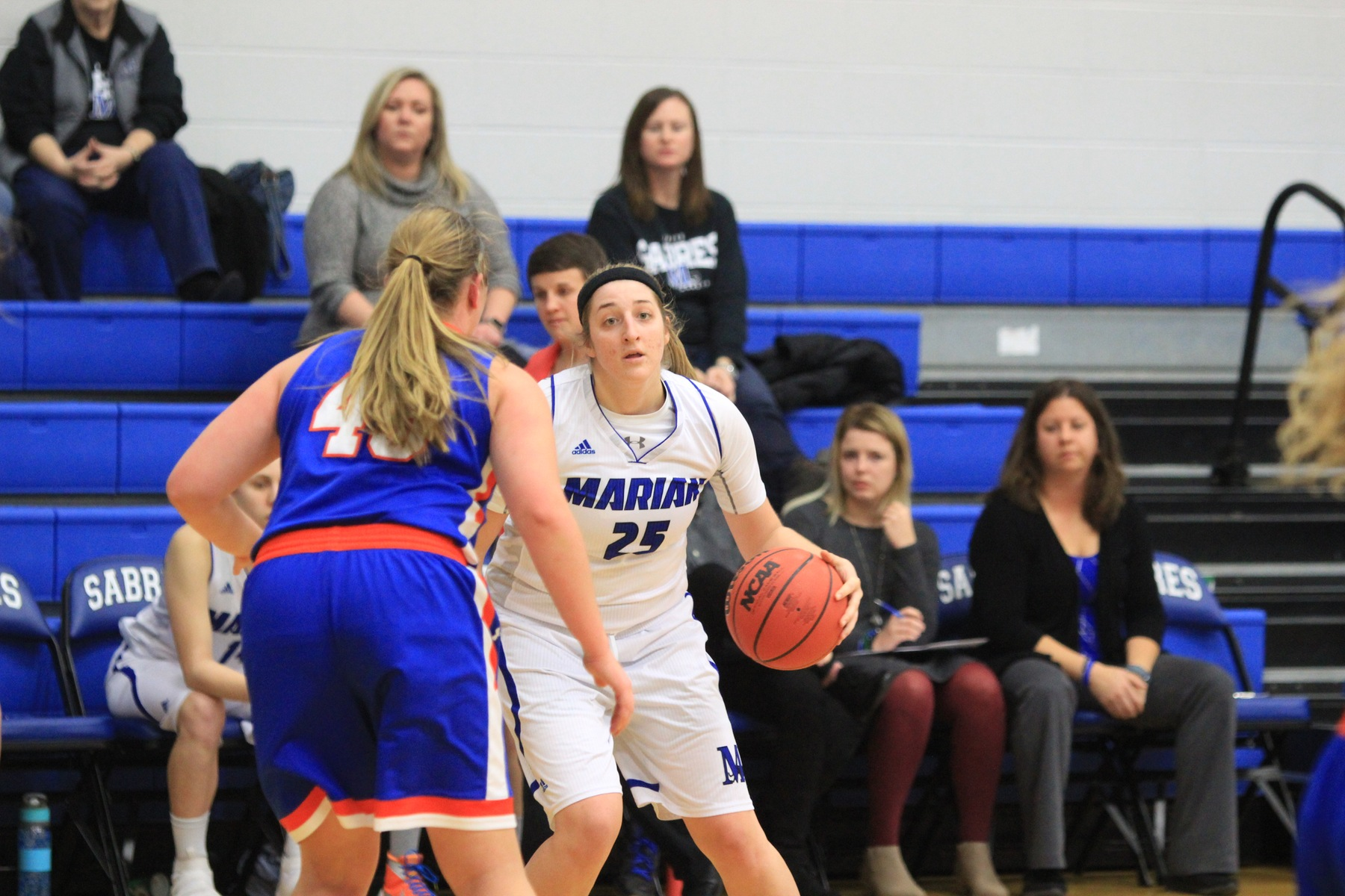 Lakeland pulls away from Sabre women's basketball