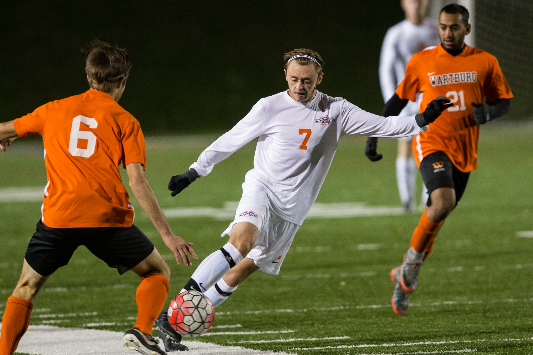 Men's soccer puts on a show in NCAA tournament