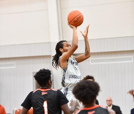 Men's Basketball Falls at PSU Shenango, 78-68