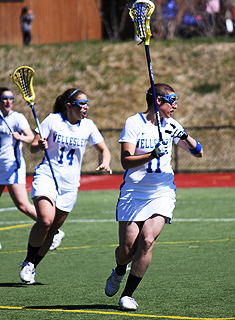 Lacrosse Cruises Past Smith on Senior Day