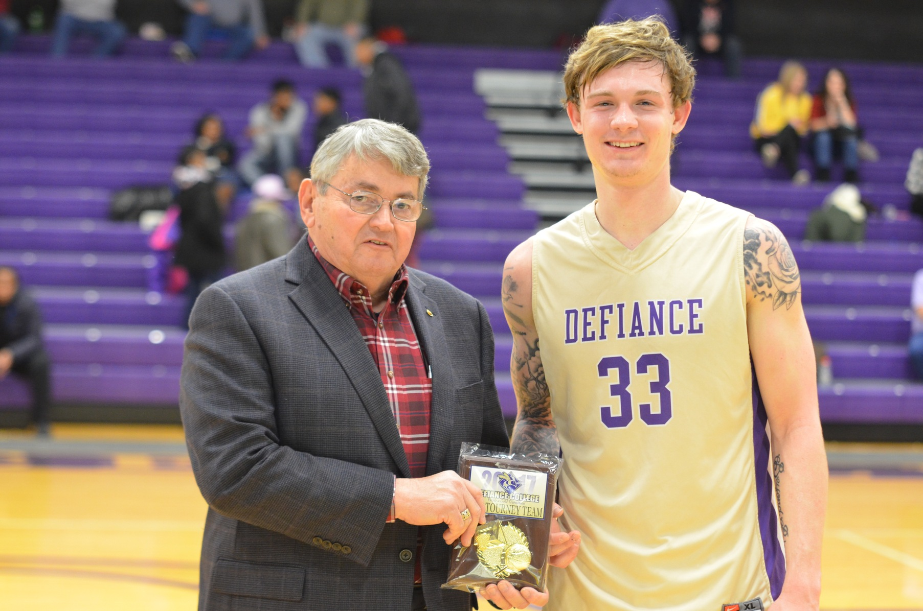 Late Run Sinks Yellow Jackets in Purple and Gold Tournament