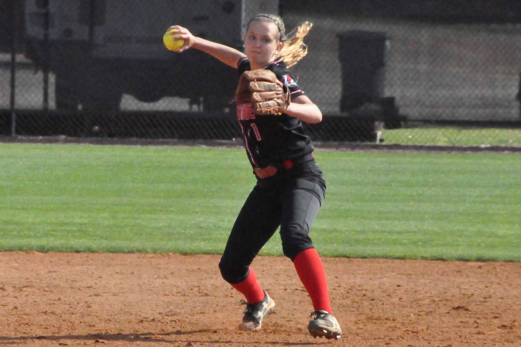 Softball: Panthers split doubleheader with USA South East Division leader Meredith