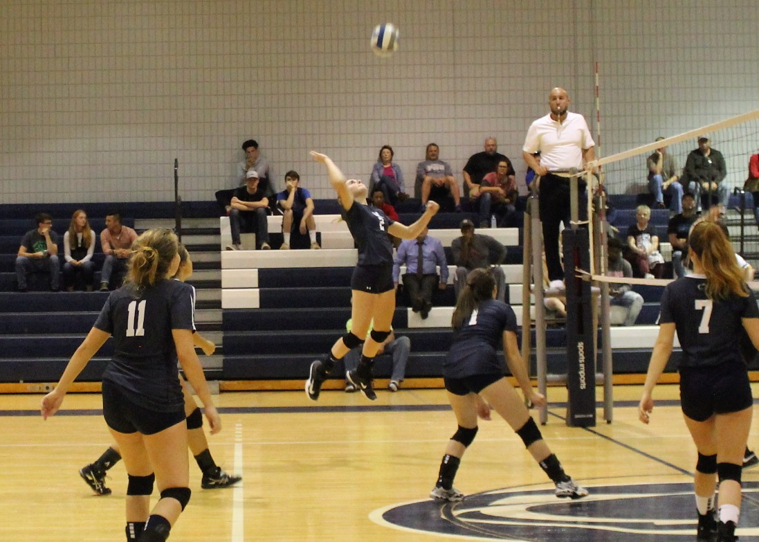 Women's Volleyball Sweeps PSUAC Crossover Weekend Matches